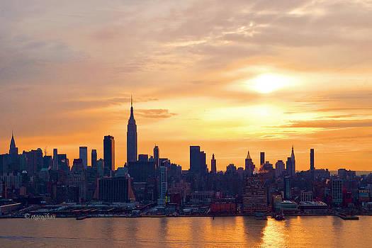 Regina Geoghan - NY Skyline Sunrise Gold