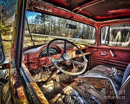 Old Wrecker by Dale Daniel