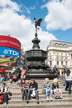 Picadilly circus by Andrew  Michael