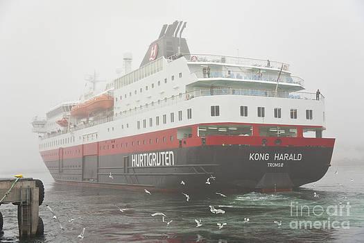 Heiko Koehrer-Wagner - Post Ship