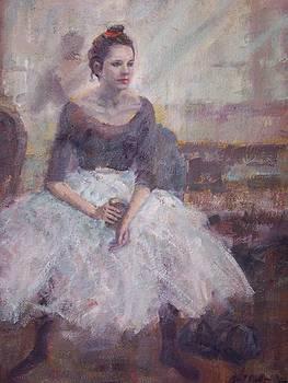 Seated ballerina by Bart DeCeglie