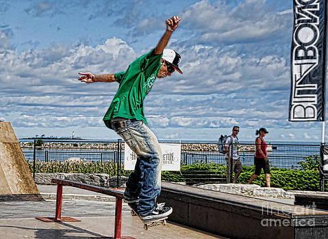 Andrea Kollo - Skateboarder