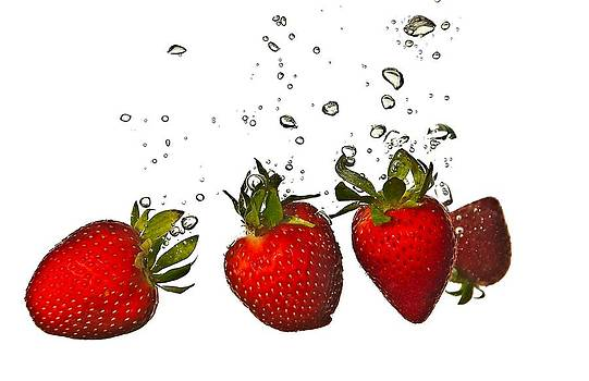 Strawberry Drop by Todd Heckert