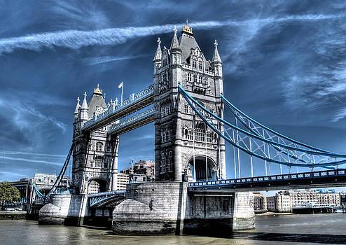 Tower Bridge by Andreas Hartmann