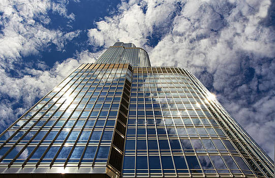 Trump Building in Chicago by Slava Shamanoff