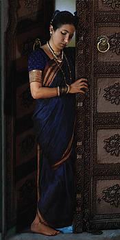 Waiting Lady by Shreeharsha Kulkarni