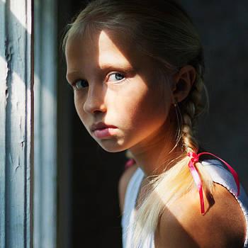 Zoya. Portrait with a sun ray. by Evgeny Matveev