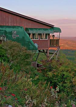 11403 Sundown At The Cliff House Inn by John Prichard