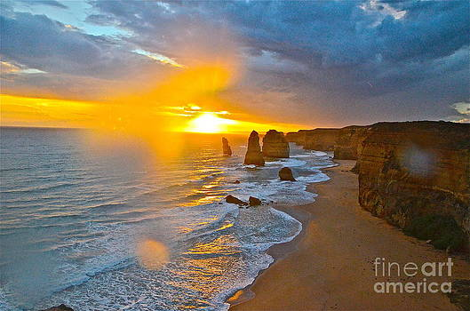 12 Apostles II by Andy Yoon