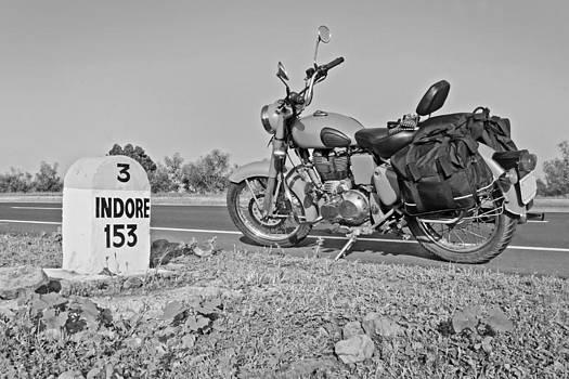 Kantilal Patel - 153kms Indore milestone desert storm motorbike