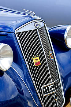 Jill Reger - 1952 Lancia Ardea 4th Series Berlina Grille Emblems