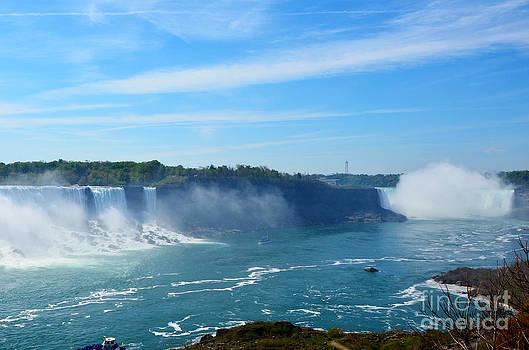 Pravine Chester - Niagara Falls