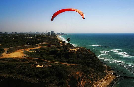 Isaac Silman - parachute gliders