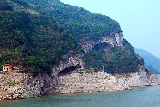 Harvey Barrison - Xiling Gorge