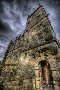 Yhun Suarez - Bolsover Castle