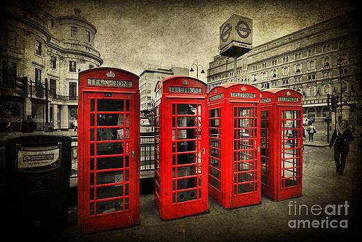 Yhun Suarez - 4 Red Phone Booths