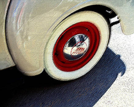 40 Plymouth rear wheel by Malcolm Lorente