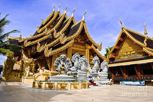 Temple sanpiyanglong in Lamphun Thailand by Jeng Suntorn niamwhan