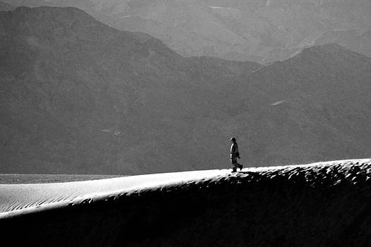 Wes and Dotty Weber - A Stroll In Death Valley
