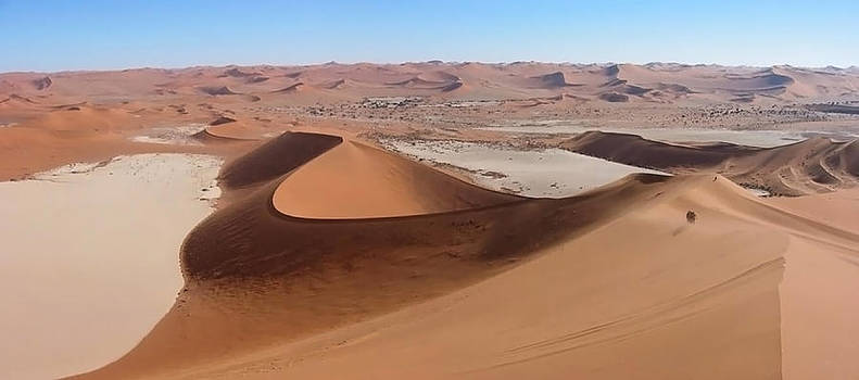 Above Dead Vlei & Hidden Vlei, Namib by Joe & Clair Carnegie / Libyan Soup