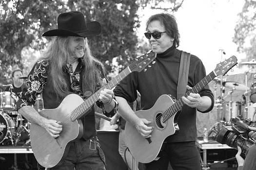 Dennis Jones - Acoustic Duo BW