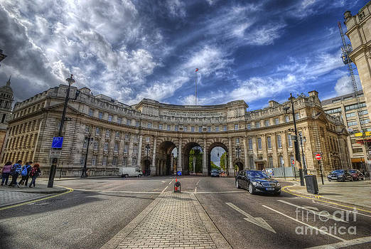 Yhun Suarez - Admiralty Arch