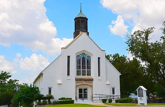 Alamo Heights Baptist Church by Kathy Lewis