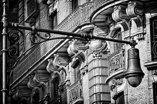 Val Black Russian Tourchin - Ansonia Building Detail 35