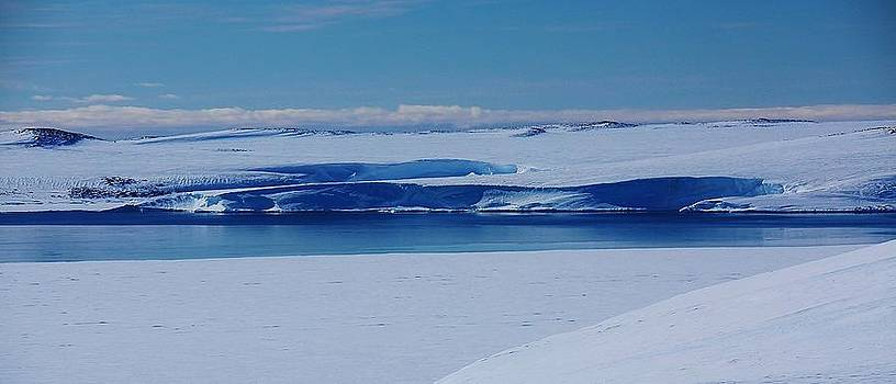 Antarctic Lanscape164 by David Barringhaus