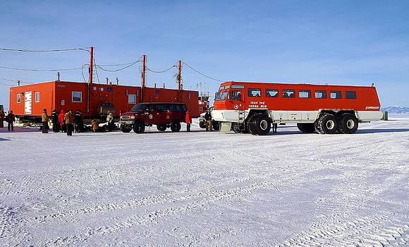 Antarctic Tundra Bus by David Barringhaus