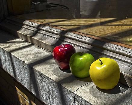 Apples Still2 by Kurt Bonnell