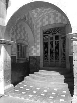 Arc and door by Jesus Nicolas Castanon