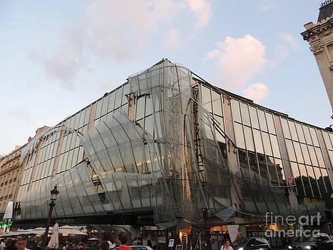 Architecture in Paris by Geraldine Liquidano