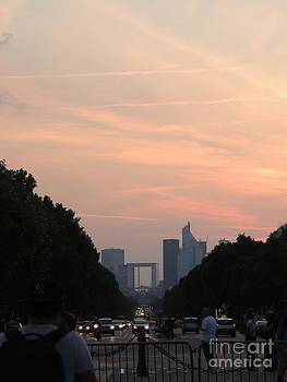 atardecer in Paris by Geraldine Liquidano