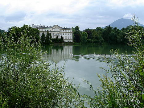 Danielle Groenen - Austrian Lake House
