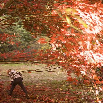 Angel  Tarantella - autumn leaves