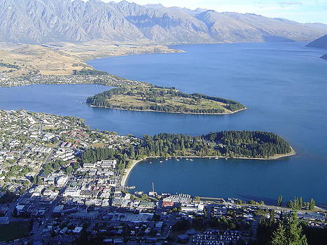 Awesome Queenstown by Pat Archer