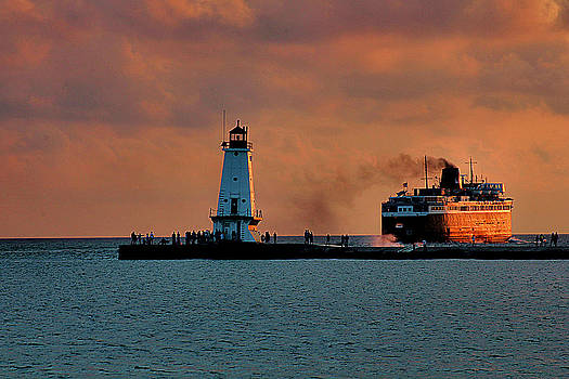 Matthew Winn - Badger Leaving Ludington