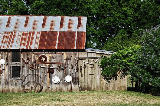 Bailey Barn by Lisa Moore