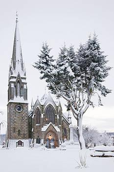 Howard Kennedy - Ballater Church in snow