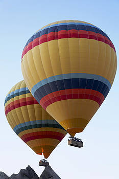 Kantilal Patel - Balloons Sailing
