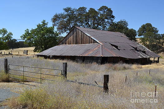 Barn I by Bob Rowell
