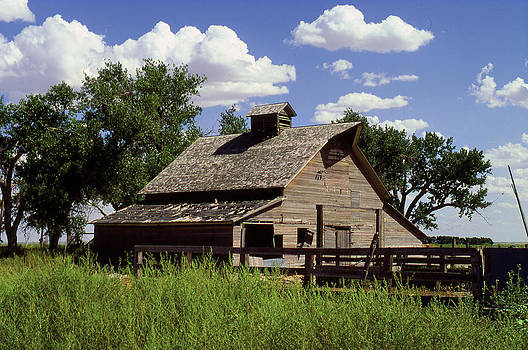 Barn in Kansas by John Wolf