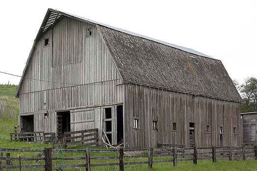 Barns of the Palouse 1 by Tony and Kristi Middleton