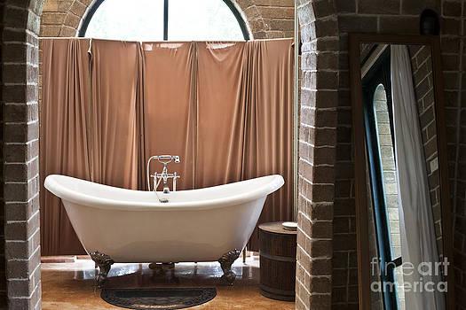 Bath by Chavalit Kamolthamanon
