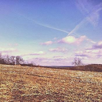 #beautiful #farmland #farmphotography by Laura Vaillancourt