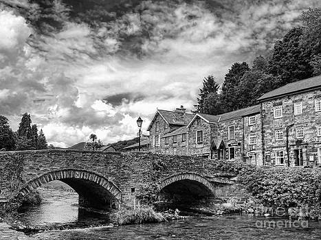 Beddgelert Village 2 by Graham Taylor