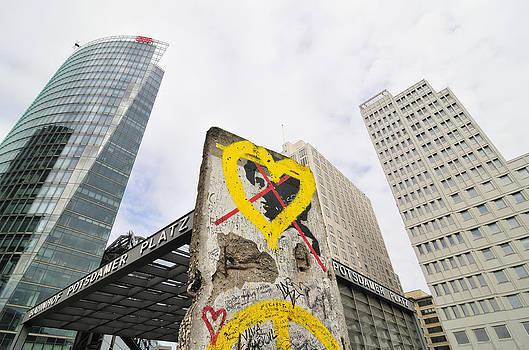 Berlin Wall Potsdam Square Potsdamer Platz by Matthias Hauser