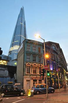 Bermondsey Street Pub by Rich Beer