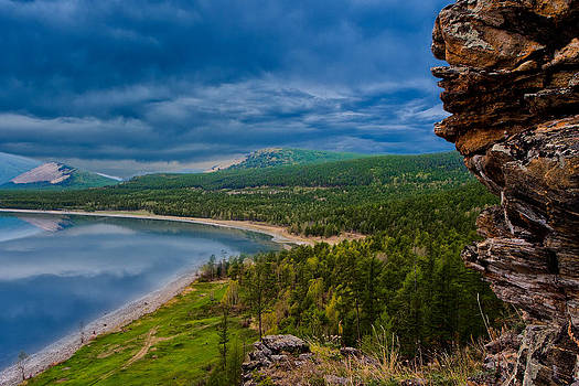 Between Sky And Water by Slava Shamanoff
